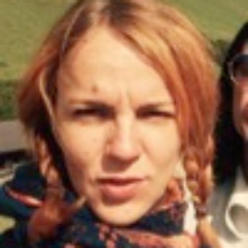 Anna - Melbourne: Hello there! I am Anna, a native German spea...