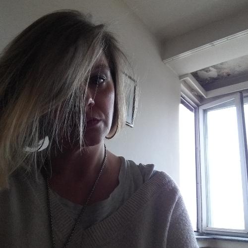Anne-sophie - Bruxelles: je parle le français le neerlandais ...