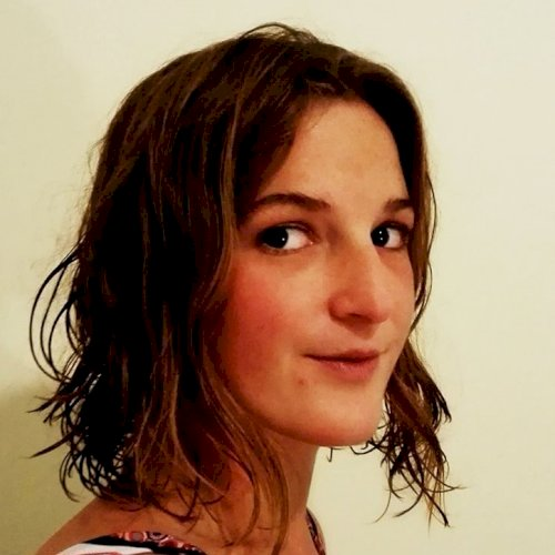 Clare - Cape Town: Hi, my name is Clare. I would love to meet ...