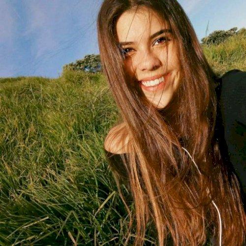 Cloe - Auckland: Hola! My name is Cloe and I am half Bolivian-...