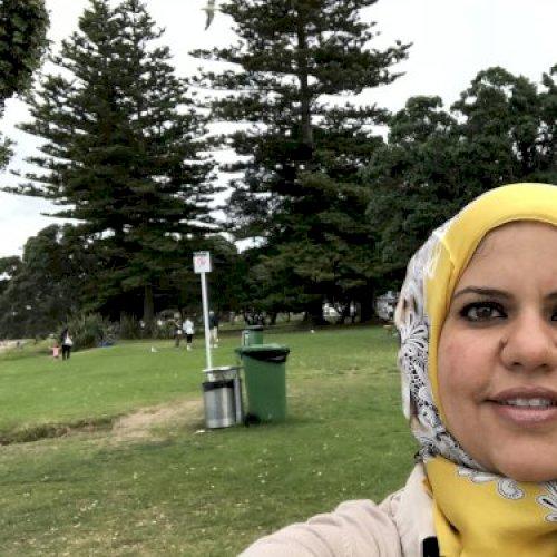 Dina - Auckland: I am an overseas pharmacist. Arabic is my mot...