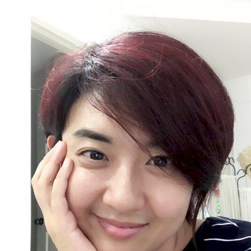 Emma - Singapore: I am a certified Mandarin teacher with exper...