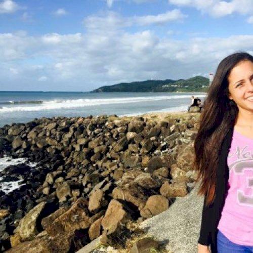 Erica - Sydney: I'm Erica, a Brazilian, living in Sydney for a...