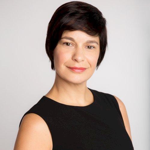Isabelle - Singapore: I am Isabelle, tutor French and English ...