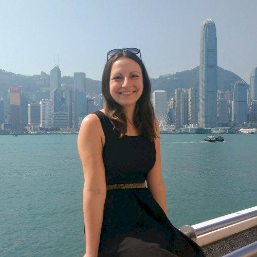 Jenny - Singapore: Hi! I am Jenny from Germany. A German nativ...