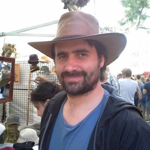 Juan - Canberra: Argentino, Speak english at conversational le...