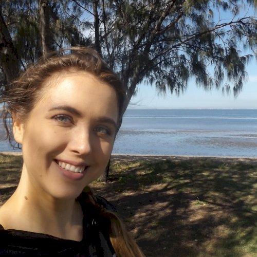Julia - Brisbane: Hi! I'm a friendly, outgoing German girl. I ...