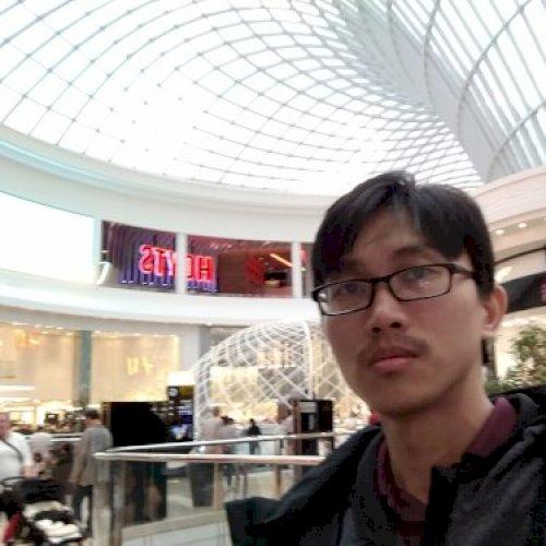 Karta - Melbourne: Hi, I am Karta an experienced teacher for e...