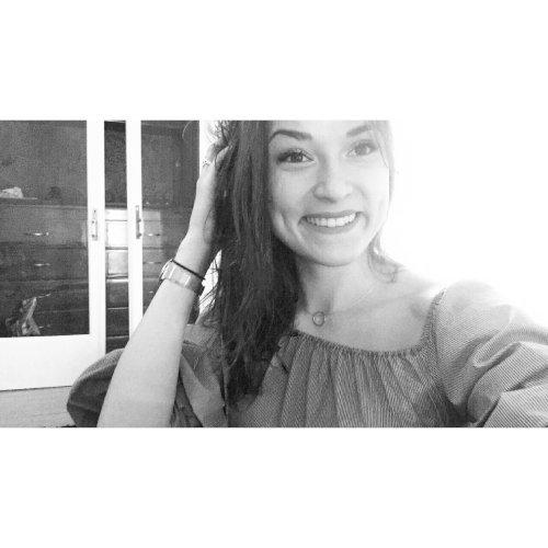 Lena - Sydney: I am a French 18yo Girl who just moved to Sydne...