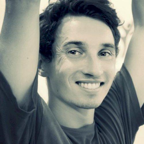 Léo - Brisbane: Hi, my name is Léo, I am a 25 yo French stud...