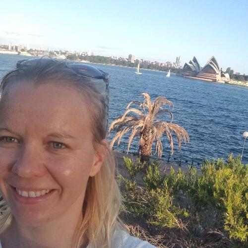 Lusa - German Teacher in Sydney: I am a German teacher with 10...