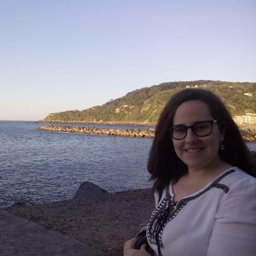 Marta - Brisbane: Hello, I am a Spanish girl who can teach you...