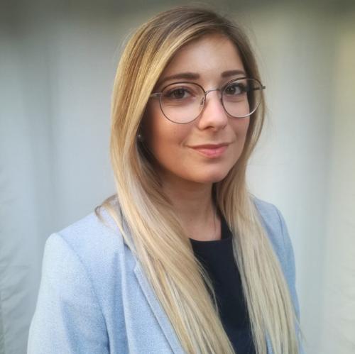 Maëva - Perth: Bonjour students! I am Maëva, a French teache...