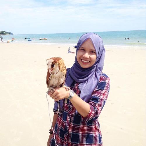 Mia - Sydney: 28 years old / Single / Malaysian. I love teachi...