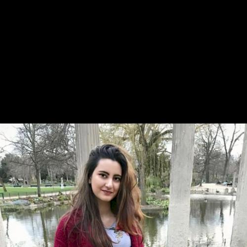 Mounia - Paris: Hi! I'm Mounia, international relations studen...