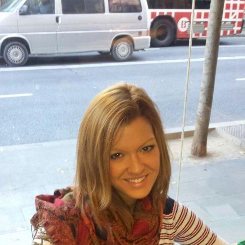 Natalia - Dubai: Worked as a Spanish teacher in a language sch...
