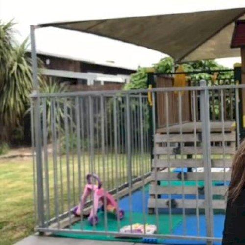 Parris - Christchurch: Hi! I'm Parris. I graduated from Burn...