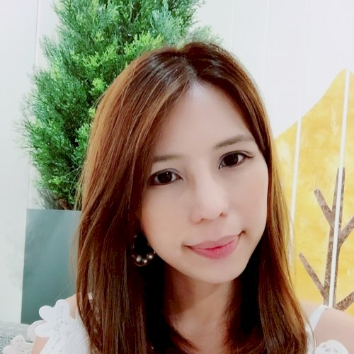 Raine - Hong Kong: Hi! I am Raine, originally from Australia. ...