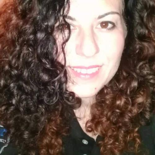 Rebeca - Tel Aviv: Hi, I'm very open minded, I like philosophy...