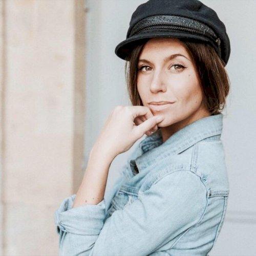 Sarah - Sydney: Hy Everyone, I'm Sarah, a dynamic French livin...
