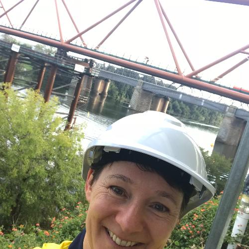 Sharon - Sydney: Hi, I am an English businesswoman recently mo...