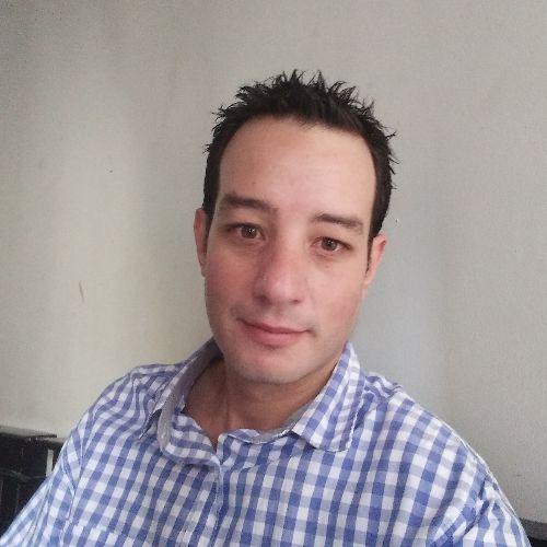 Pedro - Jakarta: I'm Arabic Man ;can teach Arabic and French l...