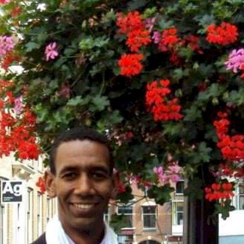 Djamal - Arabic Teacher in Frankfurt am Main: I am a translato...
