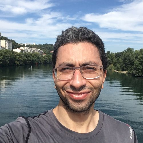 Adel - Arabic Teacher in Lyon: Hey! I would love to teach and ...