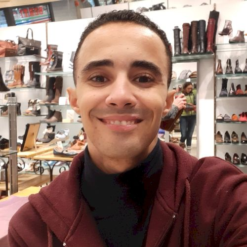 Mohamed - Arabic Teacher in Montreal: Hello there! My name is ...
