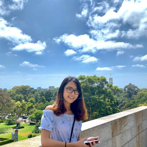 Eaindra - Burmese Teacher in Melbourne: Hi everyone, my name i...
