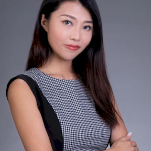 Fiona - Cantonese Teacher in Hong Kong: Hello there, I'm a gra...