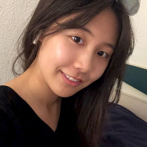 Eva - Chinese / Mandarin Teacher in Montreal: I'm a manageme...
