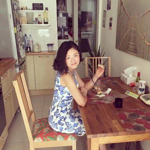 Liu - Chinese / Mandarin Teacher in Paris: 您好!Hello ther...
