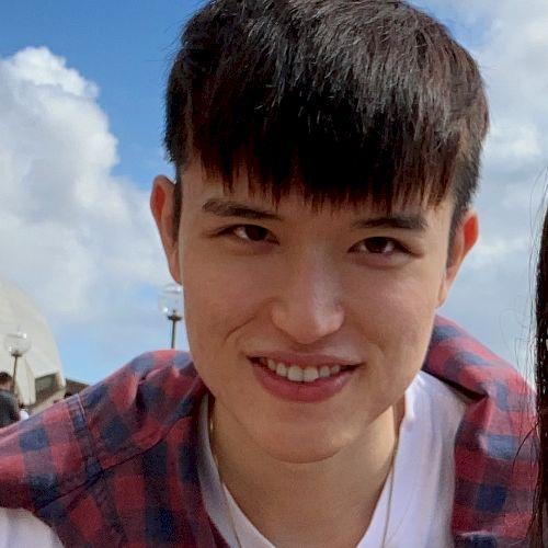 Chris - Chinese / Mandarin Teacher in Sydney: I was born in ma...