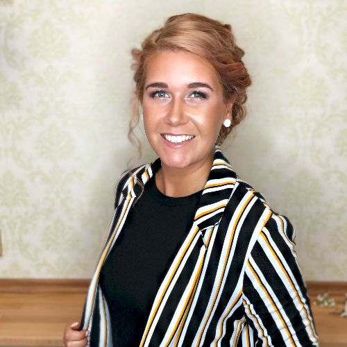 Monika - Czech Teacher in Melbourne: Hi there, my name is Moni...