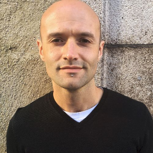 Clovis - English Teacher in Berlin: Hi! I'm a certified CELT...