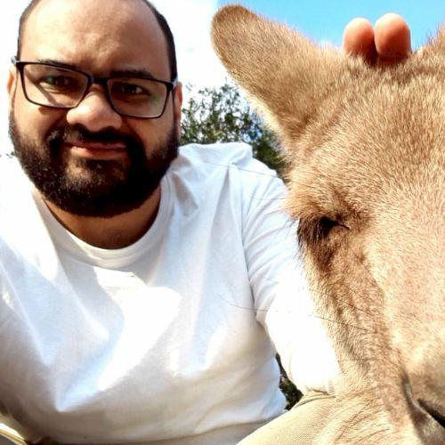 Daniel - Brisbane: I'm an English teacher with 6 years experie...