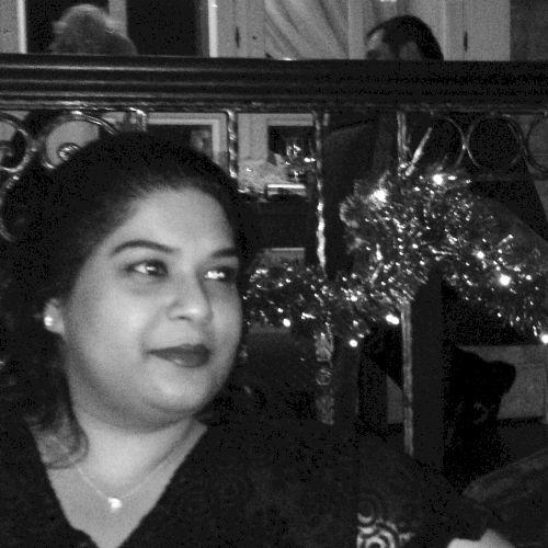 Ayrunna - English Teacher in Dubai: 20-year teaching, tutoring...