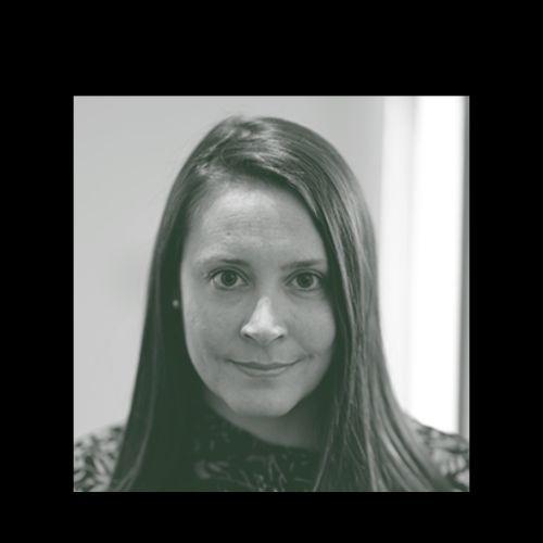 Chrissy - English Teacher in Dubai: I have a Master's in TESOL...