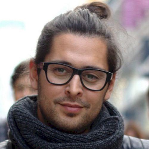 Derrick - English Teacher in Lisbon: I am born and raised in M...