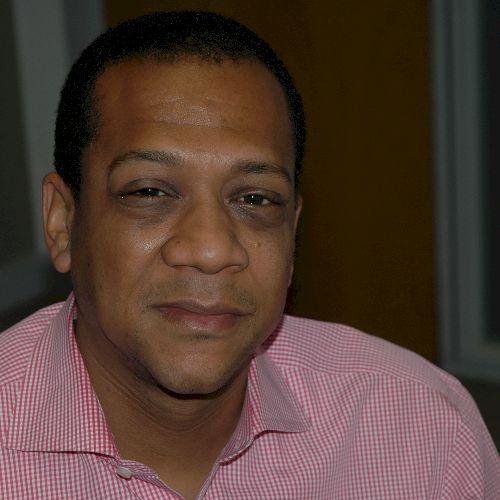 Gordon - English Teacher in Lisbon: I am an English language t...