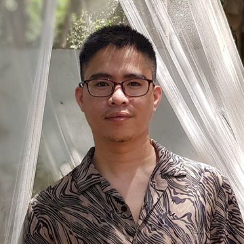 Arvin - English Teacher in Manila: I have a degree in communic...