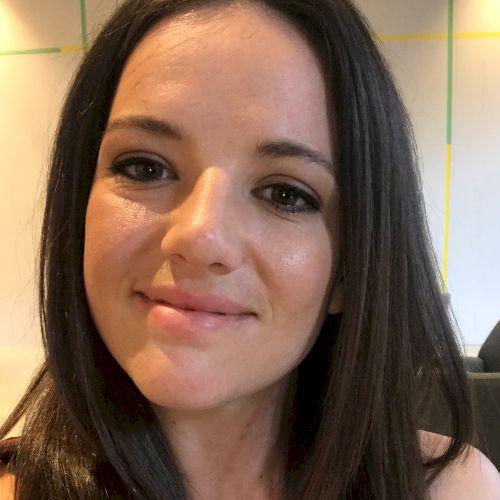 Emily - English Teacher in Montreal: Originally from Sydney Au...