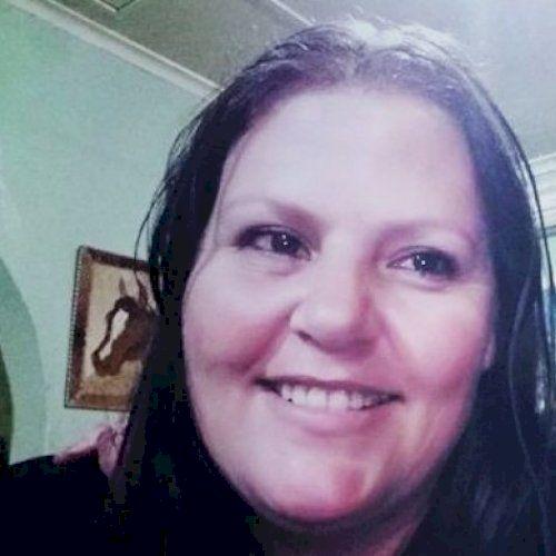 Peggy - English Teacher in Port Elizabeth: Well spoken in Engl...