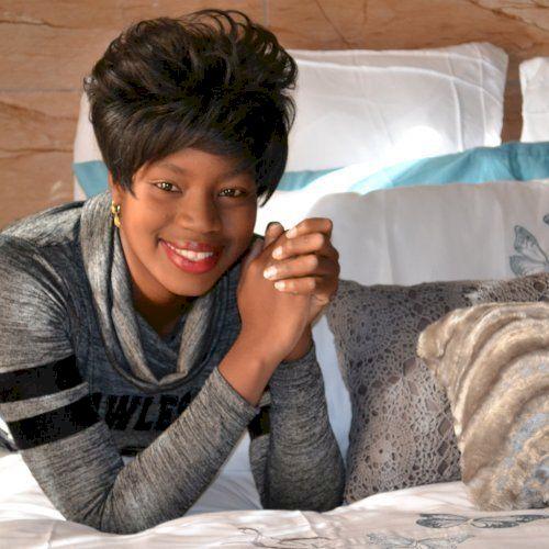 Reineth - English Teacher in Port Elizabeth: I am Reineth, a p...