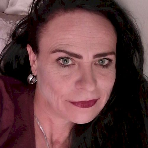 Riga - English Teacher in Port Elizabeth: I am a TEFL qualifie...