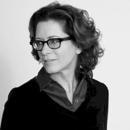 Jayne - English Teacher in Rome: I'm a mature American woman a...