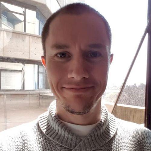 Wayne - English Teacher in Taipei: I am a UK citizen with a Ma...