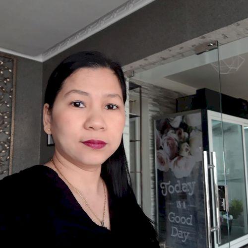 Eleanor - Filipino Teacher in Doha: I have a call center exper...