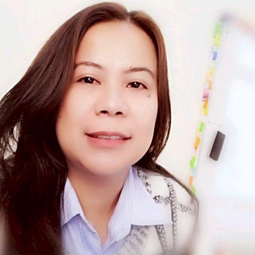 Wendy - Filipino Teacher in Doha: I am a teacher by profession...